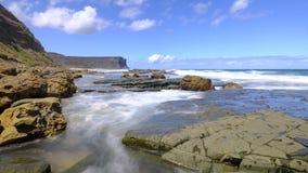 Mare e rocce a poca testa di Garie nel parco nazionale reale, vicino a Sydney, NSW, Australia fotografia stock libera da diritti