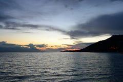Mare ionico al tramonto fotografie stock