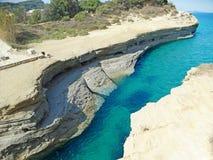 Mare ionico del paesaggio famoso della spiaggia di Sidari sull'isola di Corfù fotografie stock