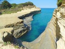 Mare ionico del paesaggio famoso della spiaggia di Sidari sull'isola di Corfù fotografie stock libere da diritti