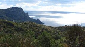 Mare, montagne fotografia stock libera da diritti