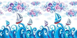 Mare, nubi e yacht sulle onde. Immagini Stock