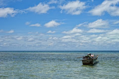 Mare polinesiano tropicale Crystal Water Clear dell'oceano della spiaggia di paradiso del turchese Fotografie Stock Libere da Diritti