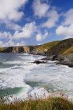 Mare tempestoso, filo di Trebarwith, Cornovaglia, Regno Unito. Fotografie Stock