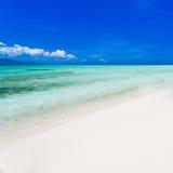 Mare tropicale di giorno Immagine Stock