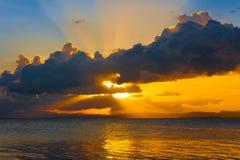 Mare tropicale di tramonto Immagine Stock