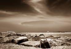 Marea baja en la costa foto de archivo
