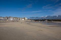 Marea bassa nel porto della st Ives Fotografia Stock Libera da Diritti