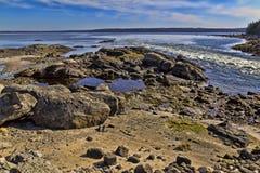 Marea inferior en la colina azul Maine Imagen de archivo libre de regalías