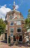Marekerk教会的议院和塔在莱顿 免版税库存照片
