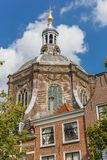 Marekerk教会的议院和塔在莱顿 免版税图库摄影