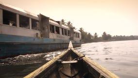 Mares du Kerala, Inde du sud, canoë et ferry clips vidéos