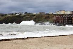 Mares tormentosos na ilha da casca do homem Fotos de Stock Royalty Free