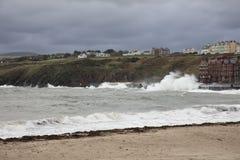 Mares tormentosos na ilha da casca do homem Imagem de Stock