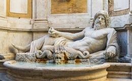 Marforio, estatua de mármol del océano Imágenes de archivo libres de regalías
