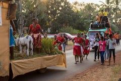 Margao Goa/Indien Februari 12 2018: Karnevalberömmar i Goa, Indien Arkivbild