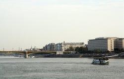 Margaret Bridge en el río Danubio en Budapest Hungría imagenes de archivo