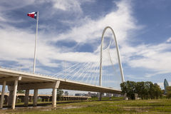 Margaret Hunt Bridge en Dallas, Tejas foto de archivo libre de regalías