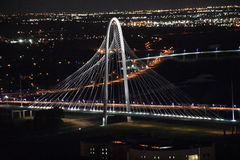 Margaret Hunt Hill Bridge à Dallas, le Texas photos stock
