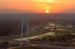 Margaret Hunt Hill Bridge al tramonto, Dallas, il Texas, U.S.A. Immagini Stock Libere da Diritti