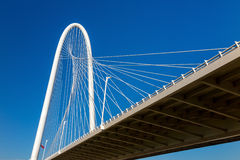Margaret Hunt Hill Bridge in Dallas Royalty-vrije Stock Afbeeldingen