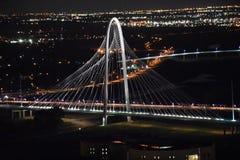 Margaret Hunt Hill Bridge in Dallas, Texas stock foto's
