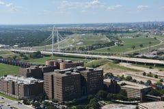 Margaret Hunt Hill Bridge en Dallas, Tejas imagen de archivo