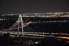 Margaret Hunt Hill Bridge en Dallas, Tejas foto de archivo