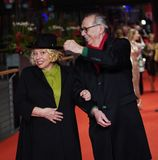 "Margarethe Tiesel, Dieter Kosslick κατά τη διάρκεια του ""χρυσού γαντιού στοκ φωτογραφία με δικαίωμα ελεύθερης χρήσης"