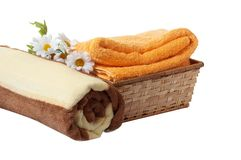Margarida, toalhas e cesta. Foto de Stock