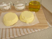Margarina del vegano con olio di colza, olio di cocco e fleur de sel Immagini Stock Libere da Diritti