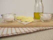Margarina do vegetariano com óleo de colza, óleo de coco e fleur de sel imagem de stock