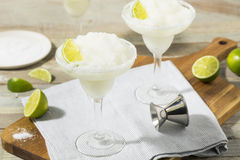 Margarita congelada cal de refrescamento fria fotos de stock