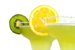 Margarita-Getränke mit Zitrone und Kiwi Stockfoto