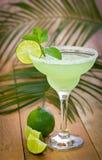 Margarita i ett exponeringsglas Arkivfoton