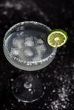 Margarita koktajl na Czarnym tle Zdjęcie Royalty Free