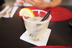 Margarita no vidro na tabela preta Imagens de Stock Royalty Free