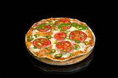Margarita-Pizza mit Mozzarella Lizenzfreie Stockfotografie