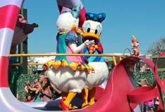 Margarita y pato Donald en el mundo de Disney Imagen de archivo libre de regalías