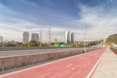 Marginell Pinheiros officiellt SP-015 huvudväg, Sao Paulo, SP, Arkivfoton