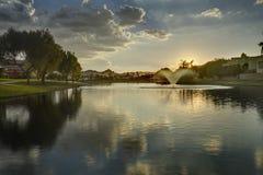 Marguerite Lake em Scottsdale o Arizona no por do sol fotos de stock royalty free