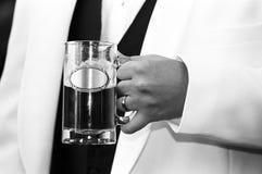Marié avec de la bière Images stock