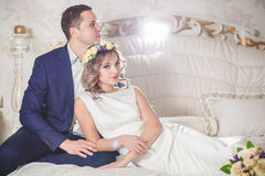 Marié blanc de mariage de chambre à coucher Images stock