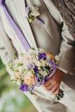 Marié et bouquet photos libres de droits