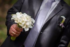 Marié et bouquet image stock