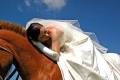 Mariée à cheval Photos libres de droits