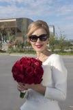 Mariée avec des roses Photographie stock libre de droits