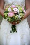 Mariée avec le bouquet photos libres de droits