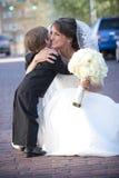 Mariée avec le porteur de boucle Photo libre de droits