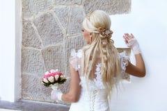 Mariée avec le type de cheveu blond de mode Image stock